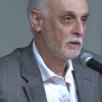Roberto Acízelo De Souza